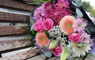 bouquet-2366793_640