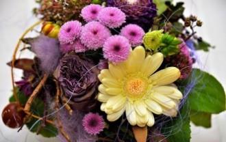 flowers-2900085_640