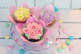 cupcakes-2209474_640