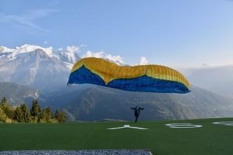 paragliding-4609253_640 (1)